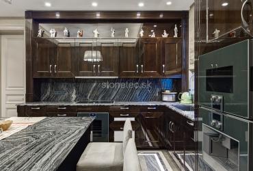 Kuchynská pracovná doska zo sivej žuly