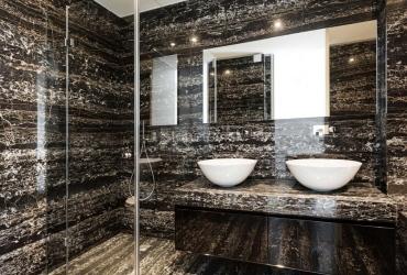 Kúpeľňa z čierneho mramoru