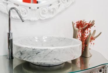 Umývadlo z bieleho mramoru