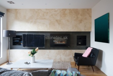 Obývacia stena z hnedého mramoru