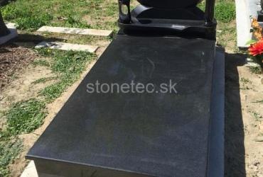 Jednohrob z prírodnej žuly Impala Stonetec