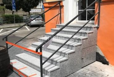 exterierove-protismykove-schody-z-prirodnej-zuly-bianco-tarn