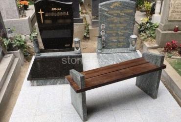 Urnový hrob s lavičkou z prírodnej žuly Verde Marina a Absolute Black