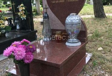 Urnový hrob Ruby Red