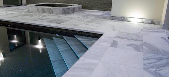 kamenna-dlazba-okolo-bazena